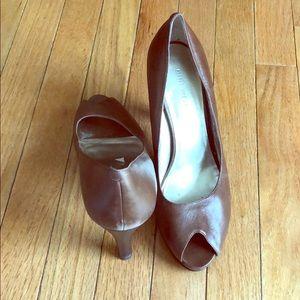 Nine West brown heels size 9